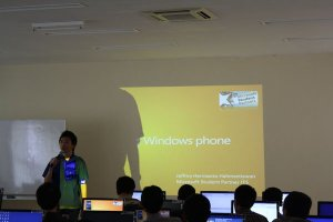 Presentasi Windows Mobile oleh Jeffrey Hermanto Halimsetiawan